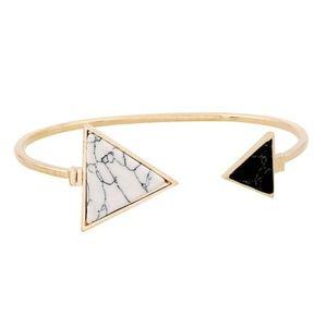 Boho Gold Plated Bi-colored Howlite Arrow Bracelet